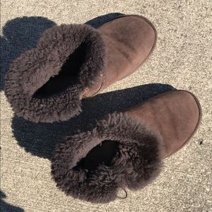 Short Chocolate Uggs